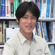 代表取締役:佐藤篤司
